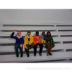 Greenhills F790 Scalextric Carrera Group of 5 Hand Painted Seated Spectators 1.32 Scale - New